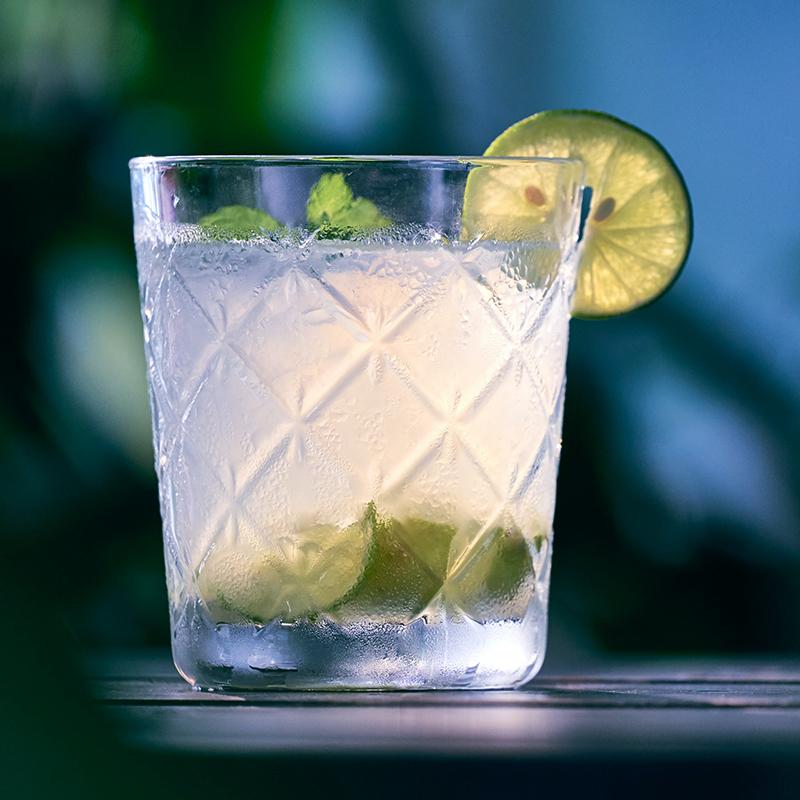 https://www.barle88.com/wp-content/uploads/2021/05/photo-vodka.jpg